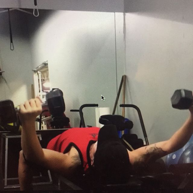 How to do: Underhand Into Overhand Dumbbell Chest Flyes - Step 1