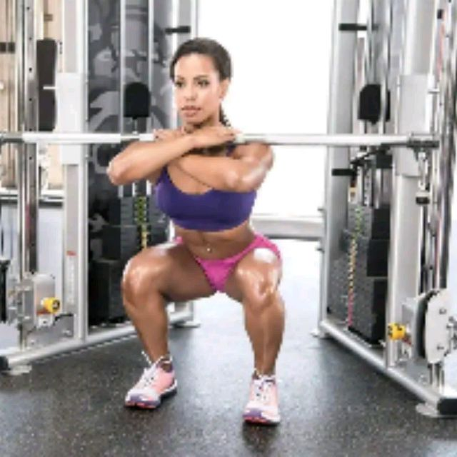 How to do: Front Squat With Long Bar (use Loaded Barbell To Substitute) - Step 1