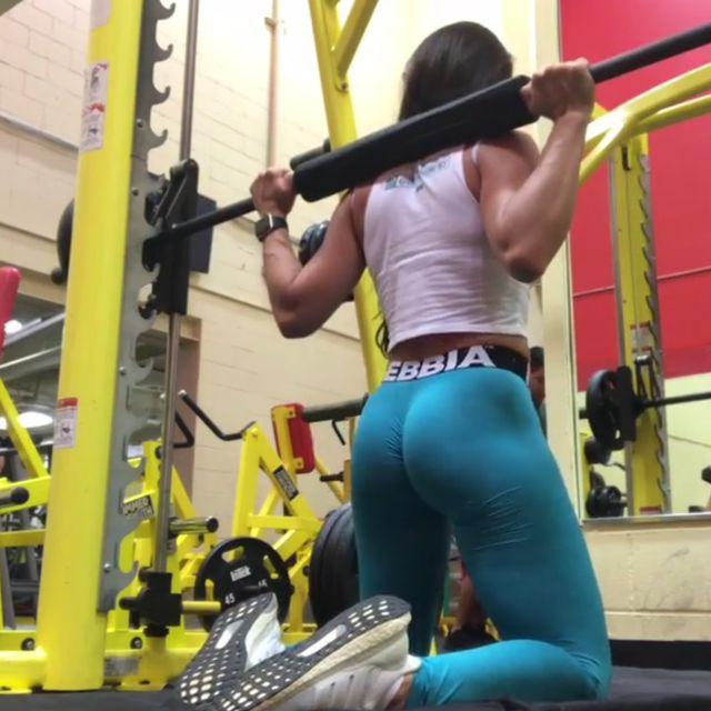 How to do: Smith Machine Kneeling Squats - Step 1