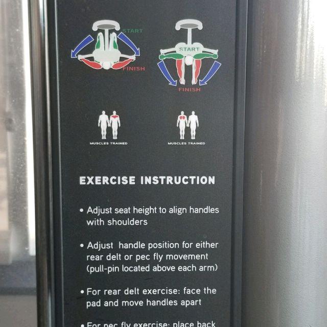 How to do: Pec Fly Machine - Step 1