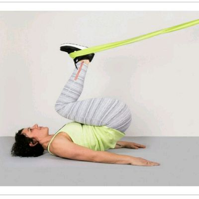 Reverse Lower Abs Crunch with resistance bands