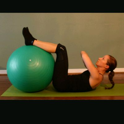 Ball Elevated Legs Crunch