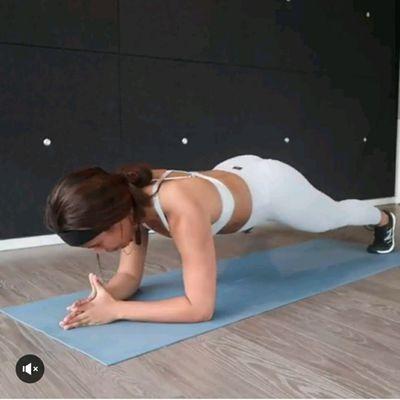 Elbow Plank Alt Leg Taps To Forward Lean