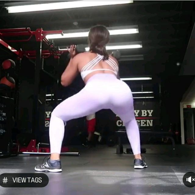 How to do: 5 DB Sumo Squats To 5 DB Sumo Squat Pulses - Step 3