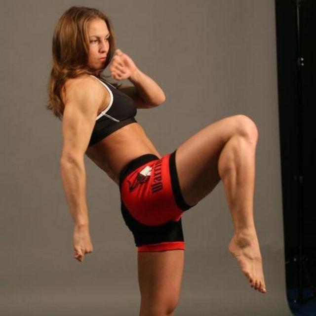 How to do: Sprawl And Knee Kick - Step 1