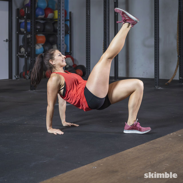 How to do: Dips with Leg Extension - Step 12