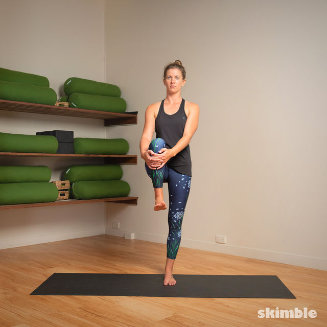 How to do: Hot Style Tree Pose - Step 2