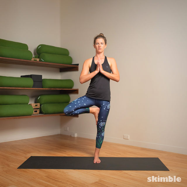 How to do: Hot Style Tree Pose - Step 3