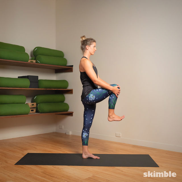 How to do: Standing Bow Pose - Step 2