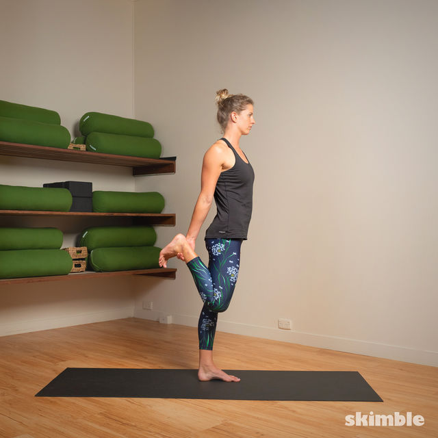 How to do: Standing Bow Pose - Step 3