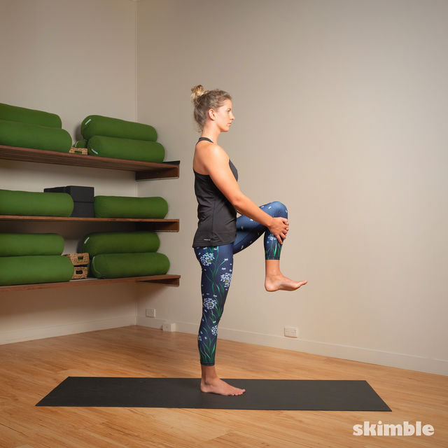 How to do: Standing Bow Pose - Step 8