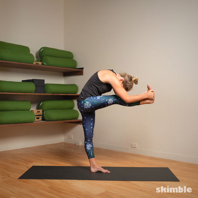 How to do: Standing Head to Knee Pose - Step 4