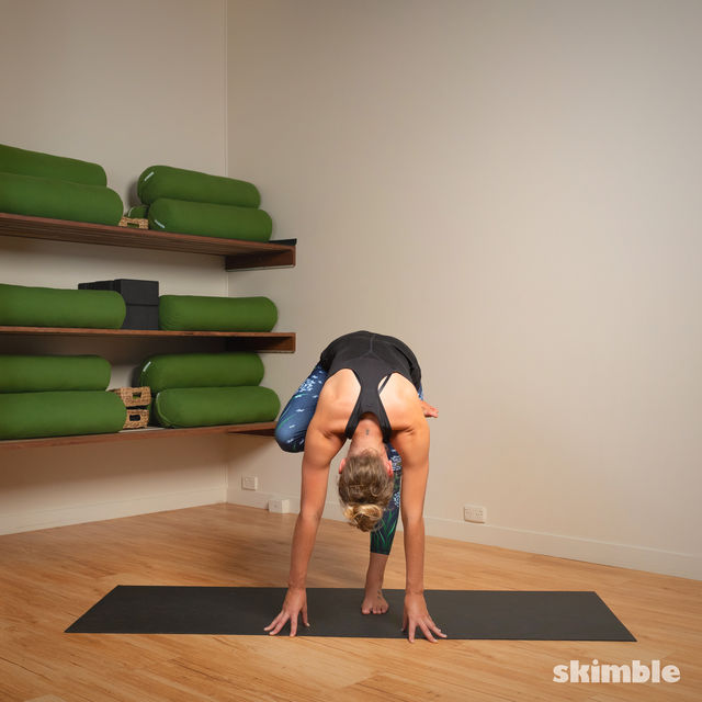 How to do: Toe Stand - Step 3