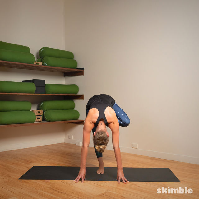 How to do: Toe Stand - Step 15