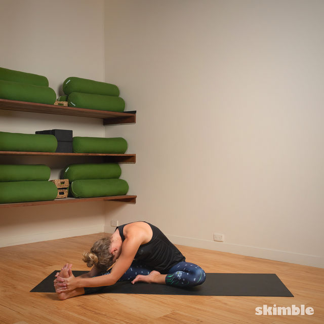How to do: Head to Knee Pose - Step 4