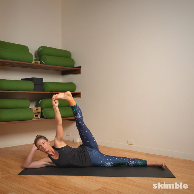 How to do: Lying Left Leg Stretch - Step 3