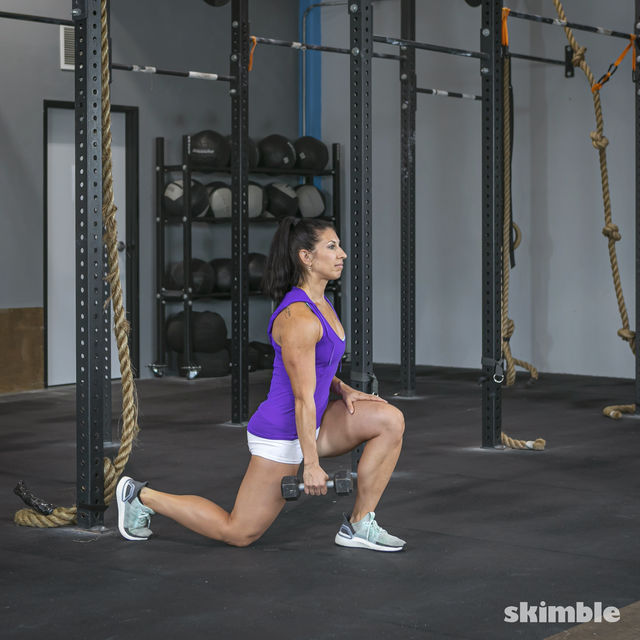 How to do: Left Lunge With Right Rows - Step 3