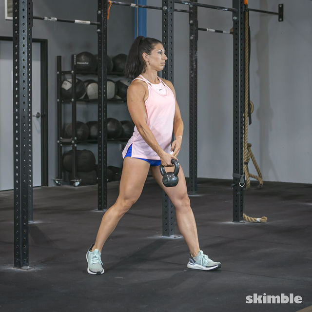 How to do: Alternating Suitcase Split Squats with Kettlebell - Step 10