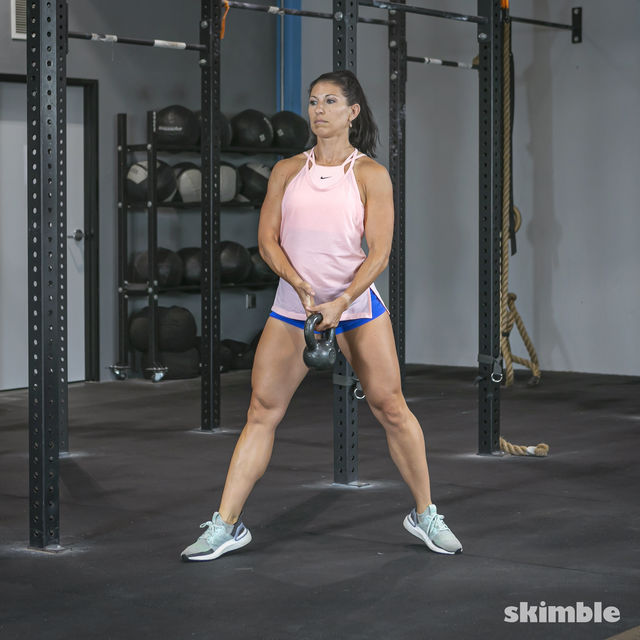 How to do: Alternating Suitcase Split Squats with Kettlebell - Step 15