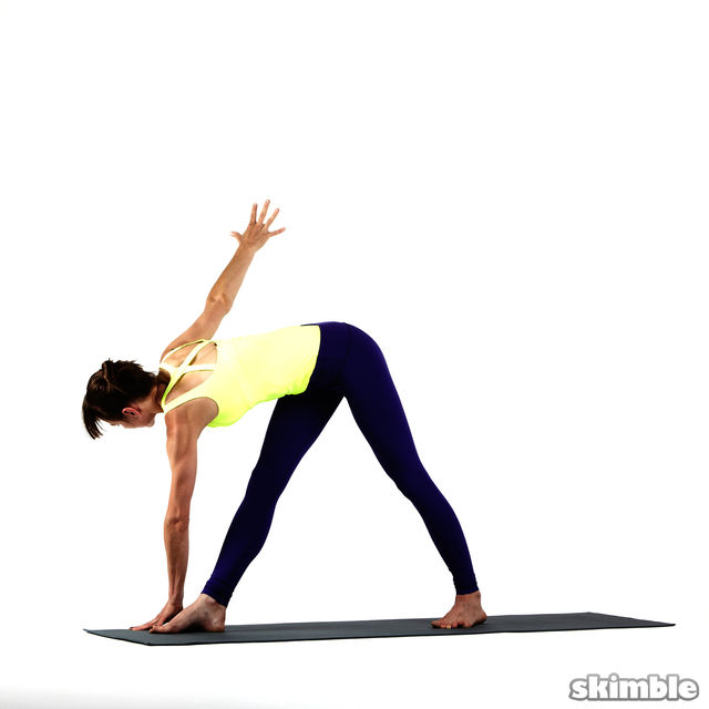 How to do: Right Twisting Triangle - Step 4