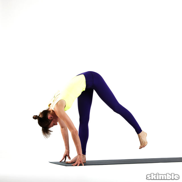 How to do: Right Standing Split - Step 1