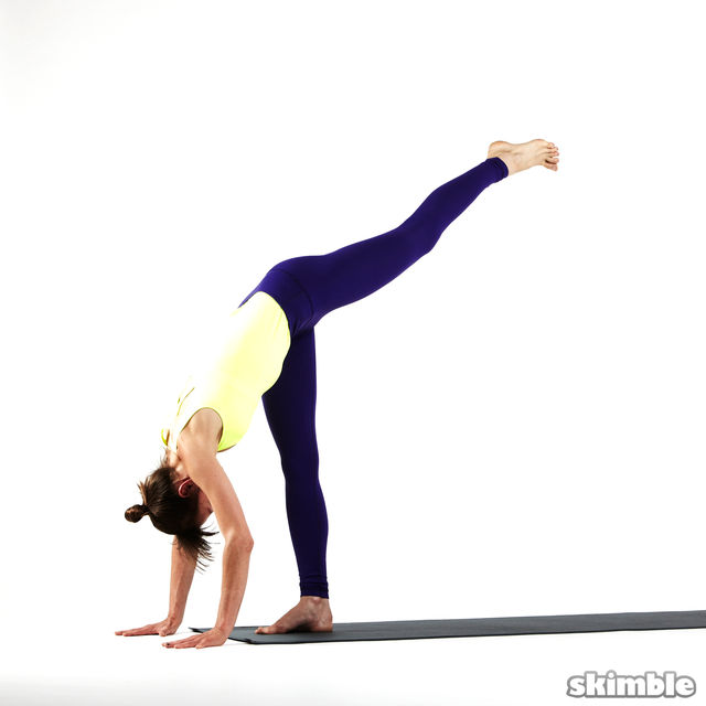 How to do: Right Standing Split - Step 3