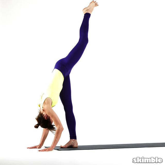 How to do: Right Standing Split - Step 5