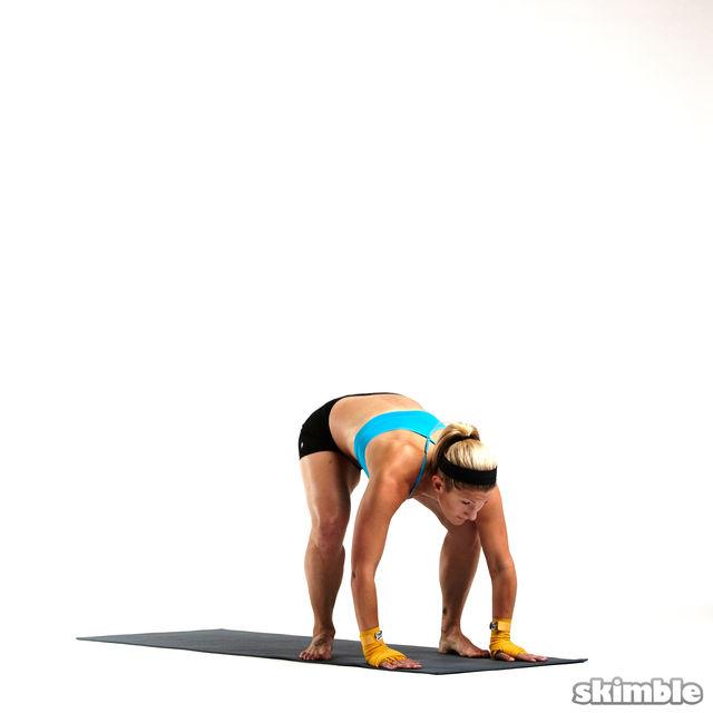 How to do: Sprawl and Knee Tucks - Step 4