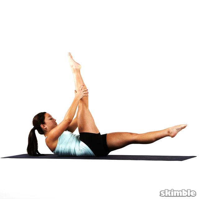 How to do: Pilates Scissors - Step 4