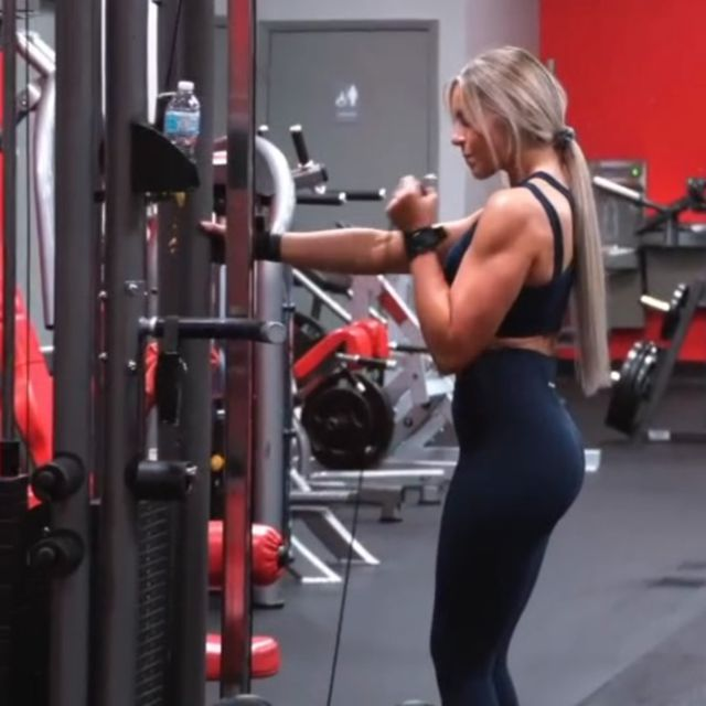 Single hammer curl