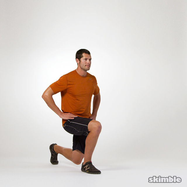 How to do: Lunges with Knee Lifts - Step 3