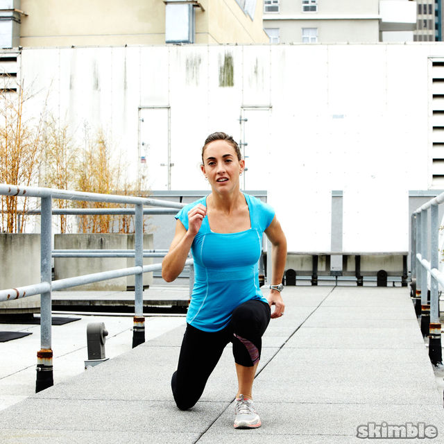 How to do: Runners Walking Lunges - Step 6