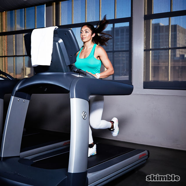 How to do: Incline Jog on Treadmill - Step 4