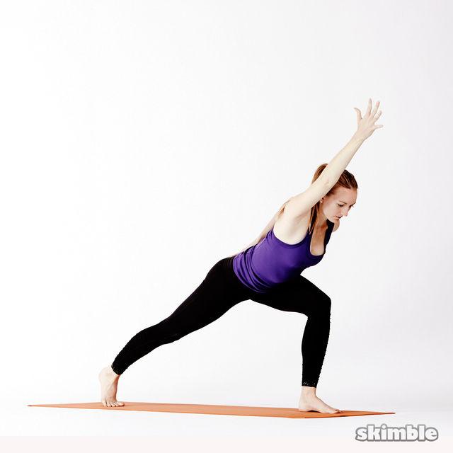 瑜伽腿与旋转