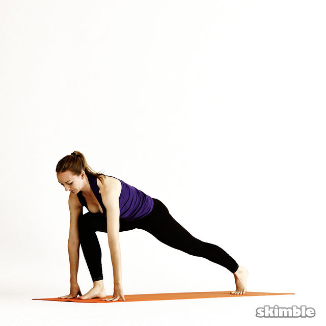 How to do: Twisting Low Lunges - Step 3