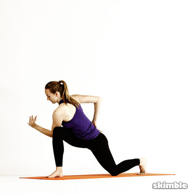 Right Twisting Low Lunge