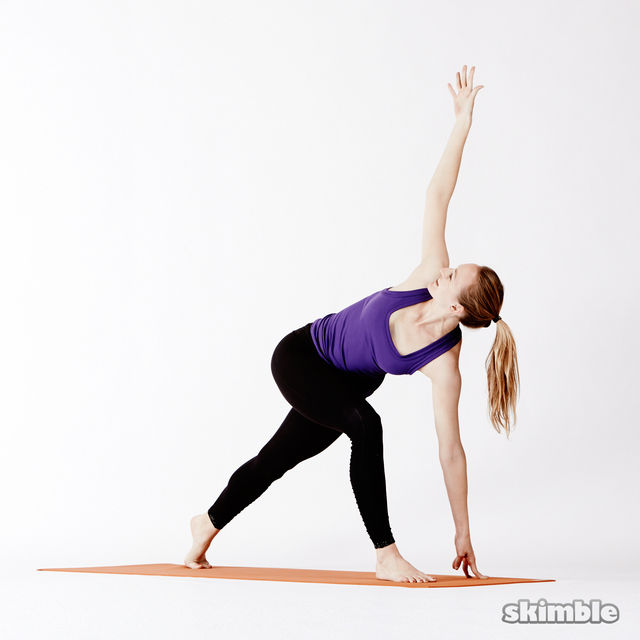 How to do: Right Lunge Easy Twist - Step 3