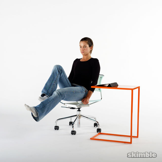 How to do: Seated Bicycle Crunches - Step 3