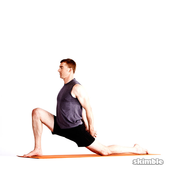How to do: Right Low Lunge with Clasped Hands - Step 3