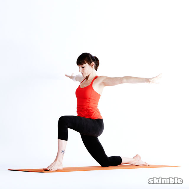 How to do: Left Low Lunge Sidebend - Step 7