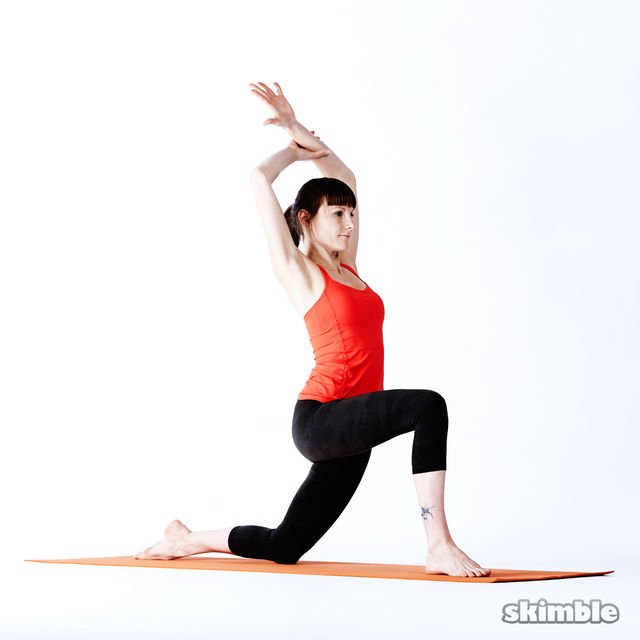 How to do: Right Low Lunge Sidebend - Step 5