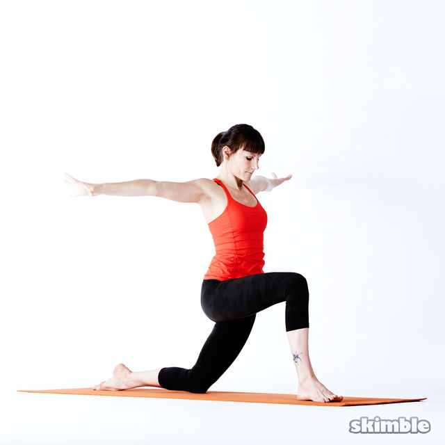 How to do: Right Low Lunge Sidebend - Step 7