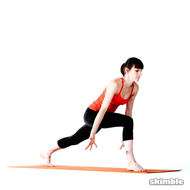 How to do: Right High Lunge Sidebend - Step 2