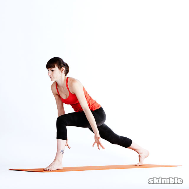 How to do: Left High Lunge Sidebend - Step 2