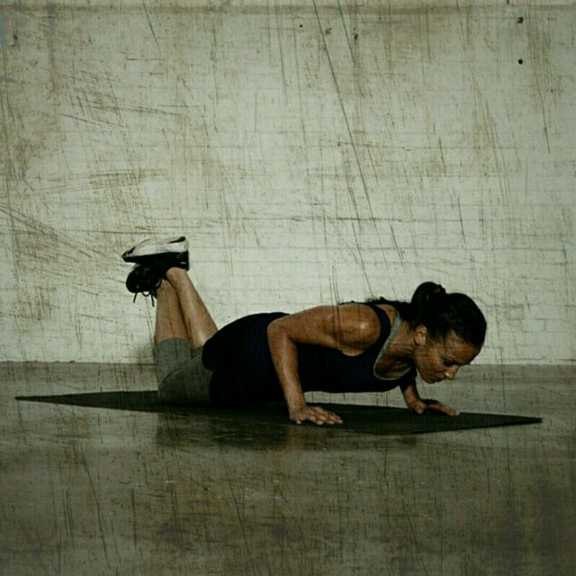 How to do: Rookie Tricep Push-Up - Step 2