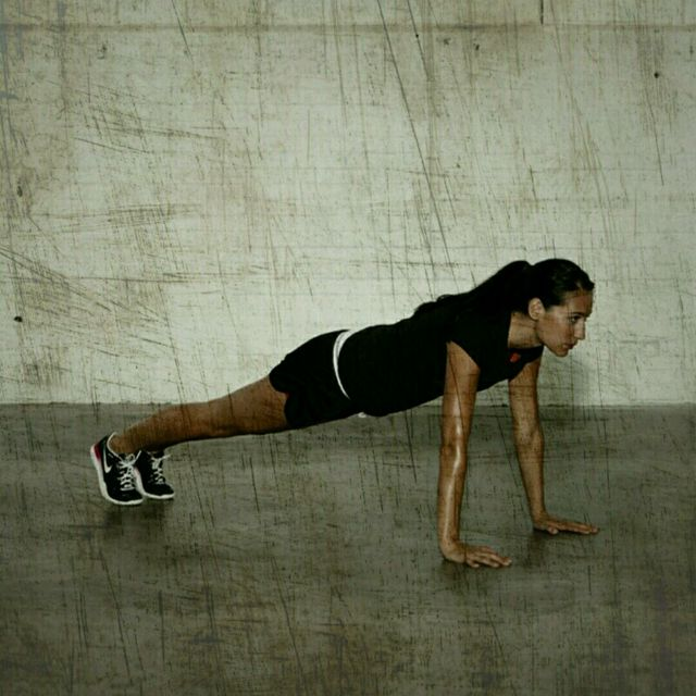 How to do: Knee Tucks - Step 1