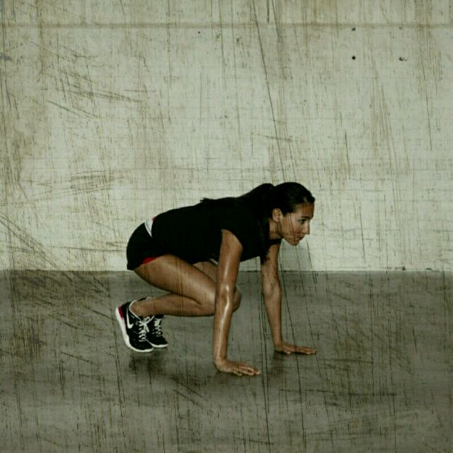 How to do: Knee Tucks - Step 2