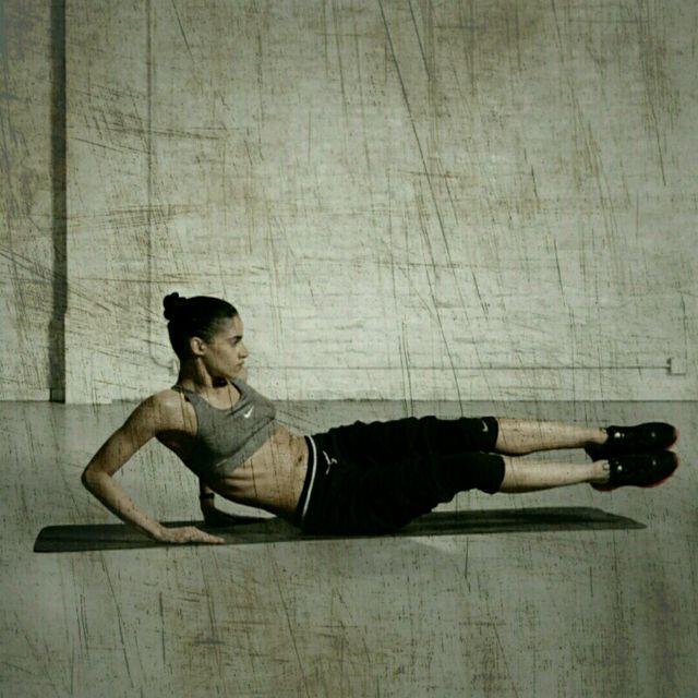How to do: V-Up Side Kicker - Step 2