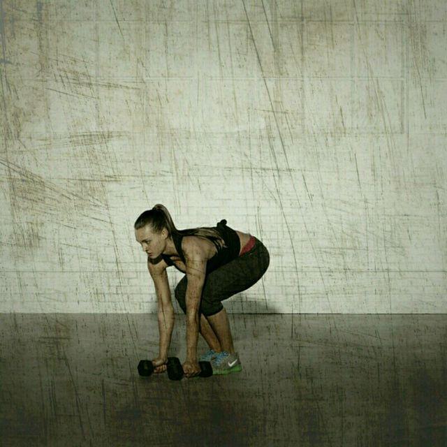 How to do: High Plank Row Shoulder Press - Step 4