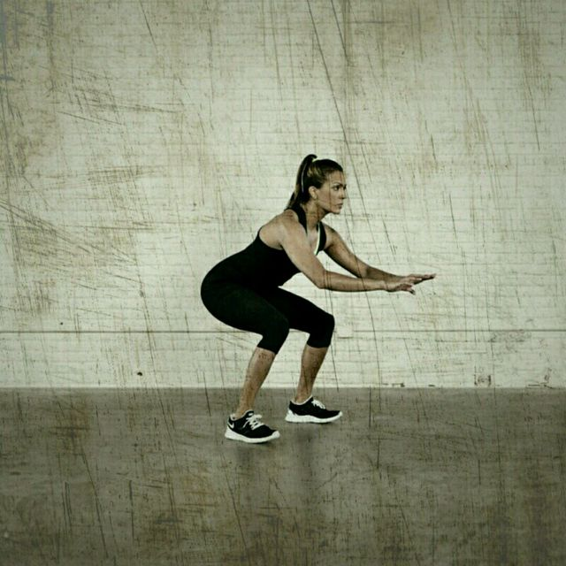 How to do: Hip Thrust Squat Jumps - Step 2